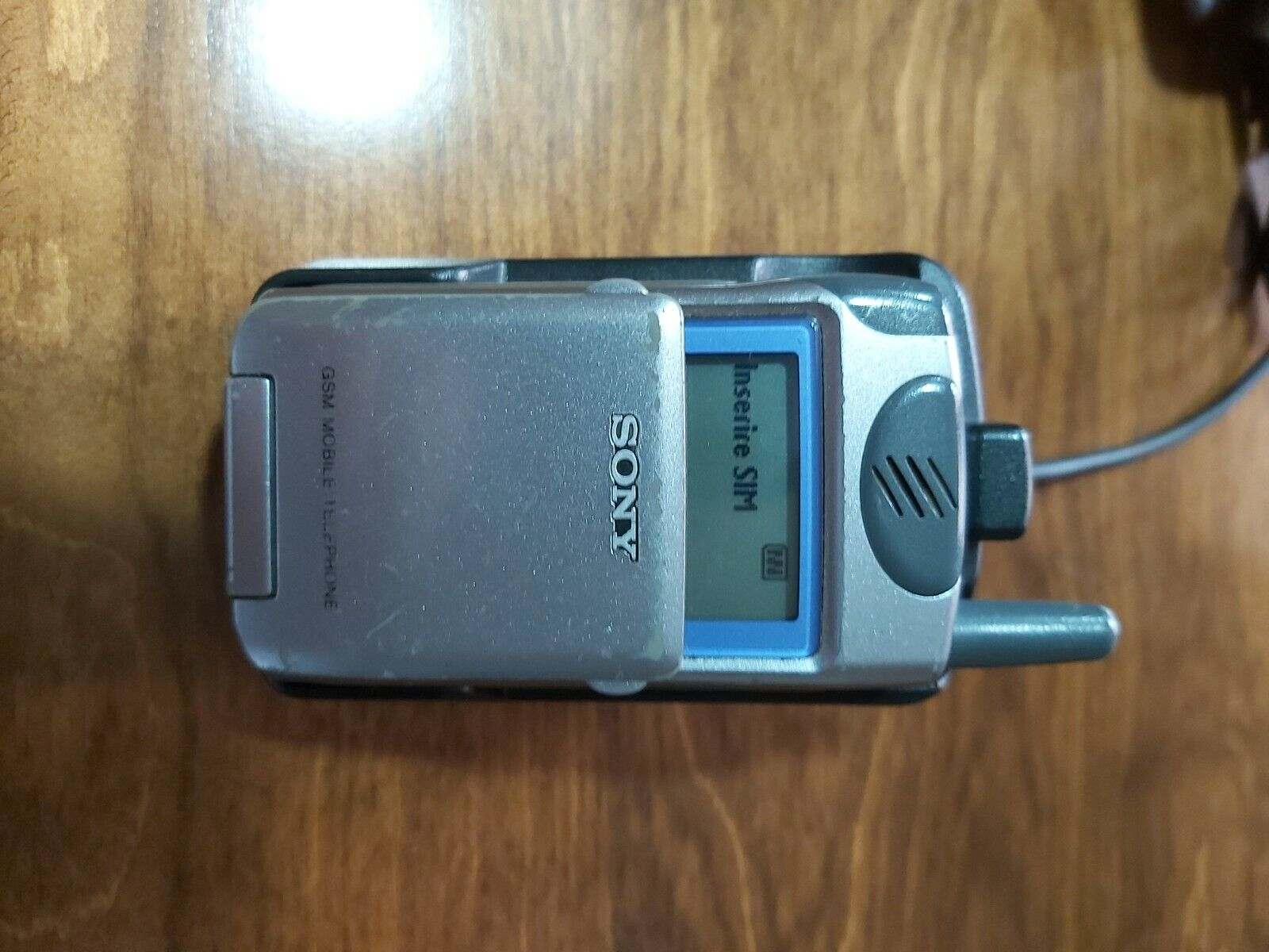 Cellulare collezione vintage Sony CMD Z5