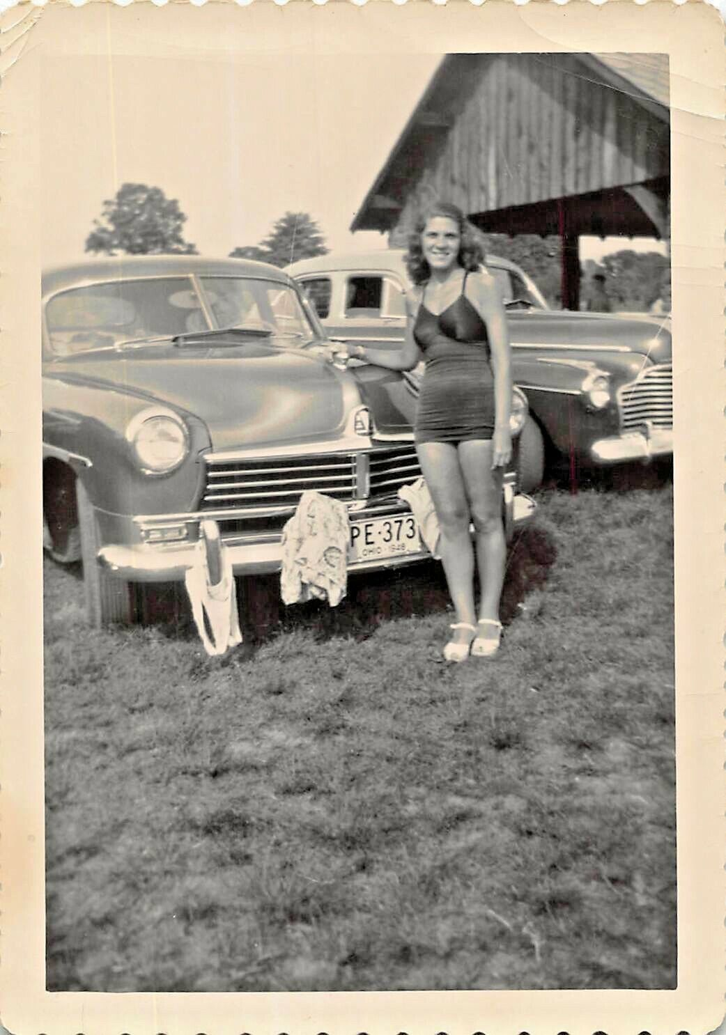 Ohio ~ Donna IN Bathing Suit-Drying Vestiti On Hudson AUTOMOBILE-1948 Fotografia