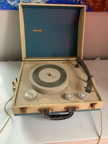 WESTMINSTER Vintage Suitcase Record Player Retro